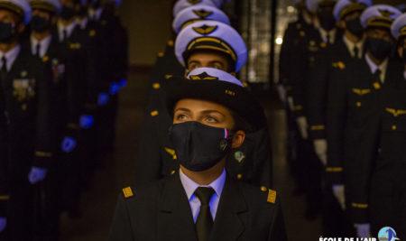 Cérémonie de remise des poignards aux élèves-officiers de l'École de l'air